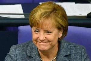 Allemagne: courte victoire de Merkel