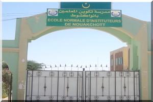 Recrutement de 400 instituteurs pour subir la formation aux ENI