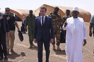 Macron promet un engagement militaire au Mali jusqu'à éradication des terroristes islamistes