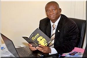 L'écrivain Bios Diallo nommé directeur du Livre et de la Lecture Publique