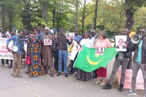 Soutien aux d�tenus d'IRA: Manifestation devant l�Assembl�e Nationale en France