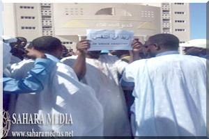 Nouadhibou : la population proteste contre la présence des usines de la farine de poisson