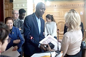 Le mauritanien Aziz DIOP reçoit la médaille Vermeil de la ville de Paris [PhotoReportage]