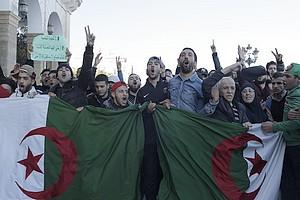 En Algérie, un pouvoir sans solution de rechange, une opposition faible
