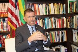 Échanges fructueux entre le leader de la CVE, Dr Kane Hamidou Baba et l'ambassadeur des USA