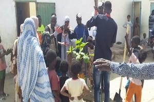 La population d'El Mina plante des arbres pour lutter contre les effets du changement climatique