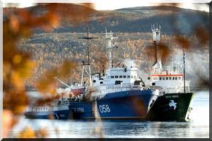 La Russie inculpe de piraterie les militants de Greenpeace