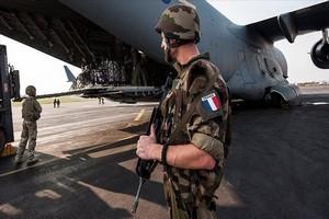 Le chef d'état-major des armées françaises : « il se pourrait qu'on reste au Sahel encore dix ans »