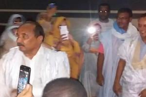 L'ex président Ould Abdel Aziz rentre chez lui après un