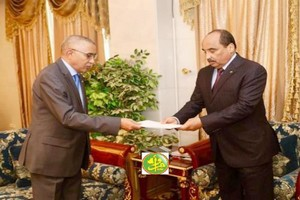 Le Premier Ministre présente la démission du gouvernement au Président de la République