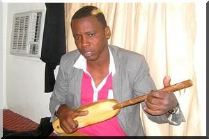 L'artiste, chanteur Hamady Gawdel Ba dans son fief à Boghé - [PhotoReportage]