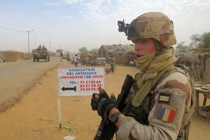 Mali: «inefficace» ou «indispensable», la présence de Barkhane fait débat
