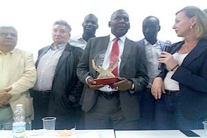 Le leader abolitionniste Biram Dah ABEID distingué en Espagne par le Prix  Emilio CASTELAR