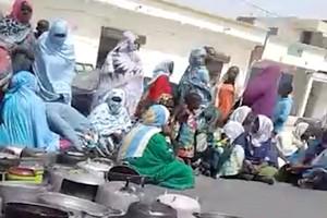 Vidéo. Le choc de l'extrême pauvreté en Mauritanie par les marmites vides sur la chaussée à Nouakchott !