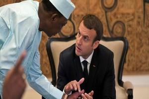 Barkhane: les présidents du G5 Sahel répondront-ils à l'invitation de Macron?