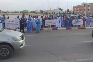 Des artistes (griots) manifestent devant la présidence et demandent de mettre fin à la discrimination sociale
