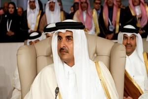 L'émir du Qatar absent d'un sommet à Ryad mais des signes de réchauffement