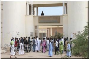 Sit-in ouvert des étudiants de la fac de médecine hors de Nouakchott
