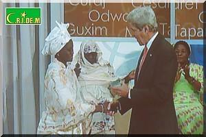 Vidéo. Me Fatimata MBAYE reçoit à Washington un prix des mains de John Kerry [PhotoReportage]