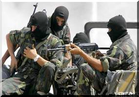 Enlèvement des diplomates : 3000 paras-commandos d'élite prêts à intervenir forces_speciales_algerie