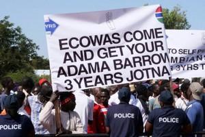 Gambie: contre-attaque du gouvernement pour éteindre la contestation anti-présidentielle