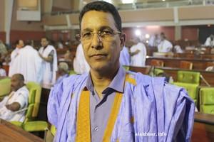Ould al-Kharachi : Ould Abdel Aziz assumera la présidence du parti et continuera à gérer l'Etat