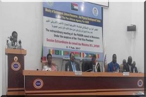 وزير البيئة والتنمية المستديمة يترأس في الخرطوم بالسودان مجلسَ وزراء الدول الأعضاء في الوكالة الإفريقية للسور الأخضر الكبير