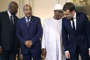 Macron en Mauritanie où l'UA poursuit un sommet assombri par des attaques au Sahel