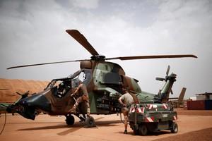 Mali : 13 soldats français tués dans l'accident de deux hélicoptères lors d'une opération contre des jihadistes