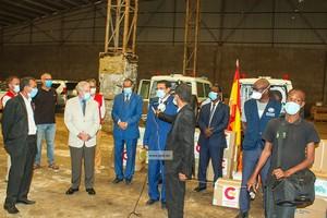 Covid-19 : l'Espagne remet à la Mauritanie des ambulances et des appareils respiratoires et de réanimation