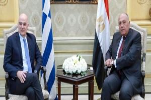 Accord Tripoli-Ankara : le chef de la diplomatie grecque chez Haftar puis au Caire