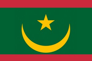 [Vidéo] MWAZULU Diyabanza de UDC brûle le drapeau de la Mauritanie à son Ambassade à Paris