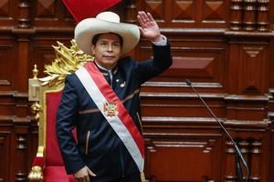 Pérou: Pedro Castillo a prêté serment comme nouveau président et promet un pays «sans corruption»