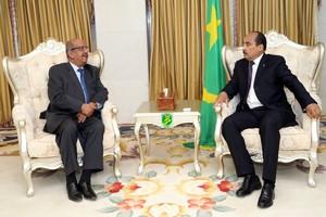 Le Président de la République reçoit un envoyé spécial de son homologue algérien