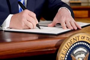 Rétablissement des sanctions américaines contre l'Iran: que peut faire l'UE ?