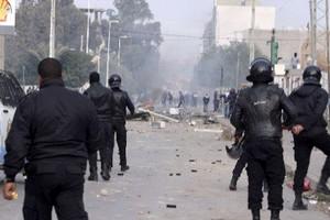Manifestations en Tunisie : plus de 200 arrestations après une deuxième nuit de heurts